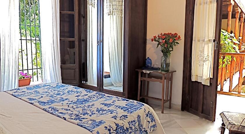 hoteles con encanto en granada  26