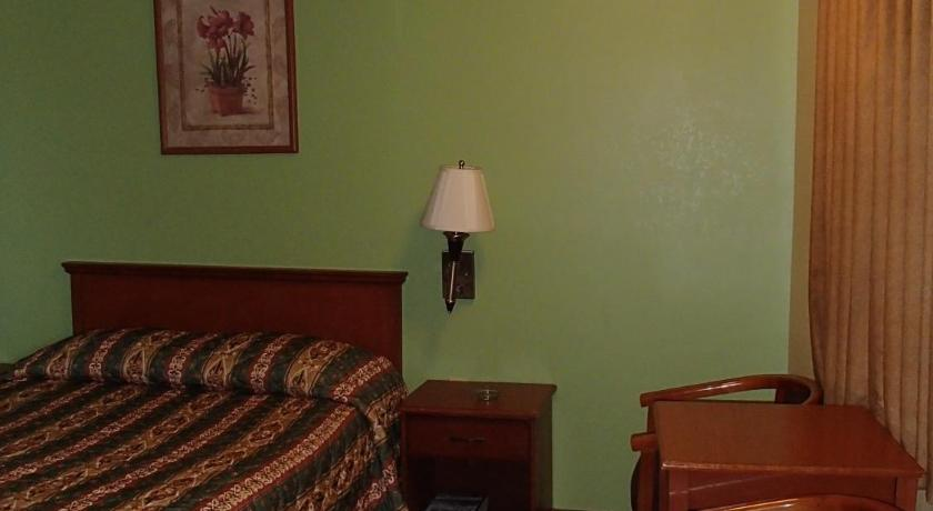 Room Selected at Check In - Guestroom Royal Inn Of New Orleans