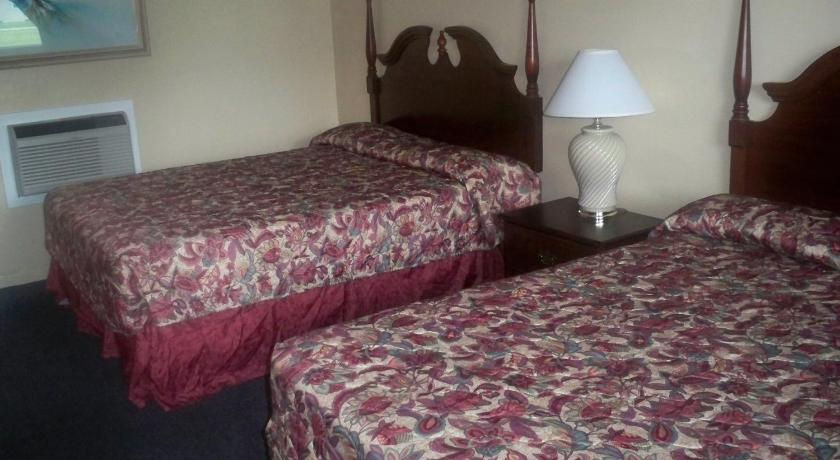 Double Room with Two Double Beds Catalina Airport Motel