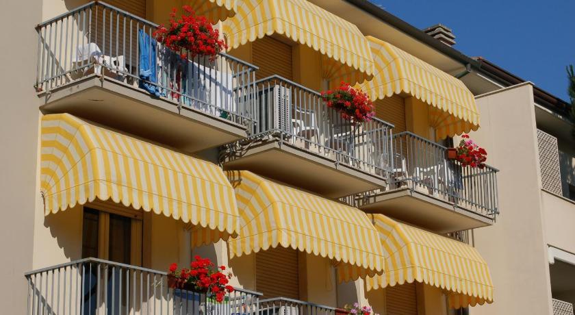 Best Price on Hotel Ristorante La Terrazza in Lido di Camaiore + Reviews