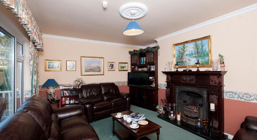The Waterfront House Country Home Golf Course Road L5351 Galway