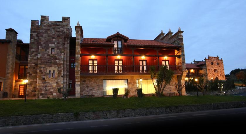 boutique hotels in santillana del mar  19