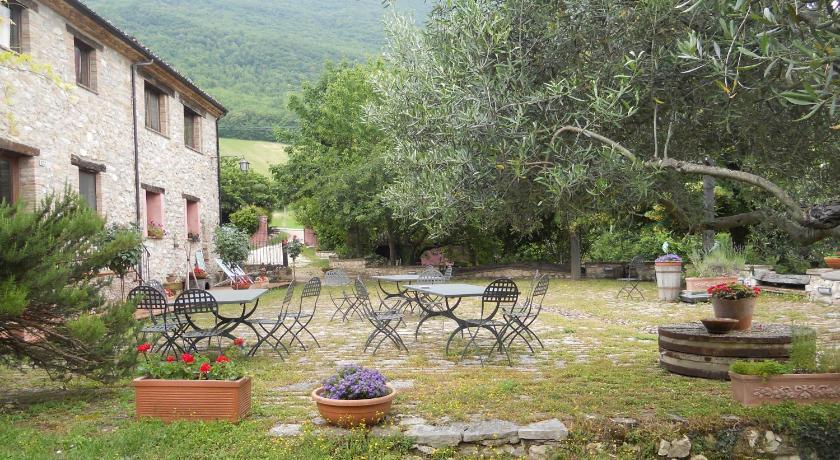 Il giardino degli ulivi prenota online bed breakfast - Giardino con ulivi ...