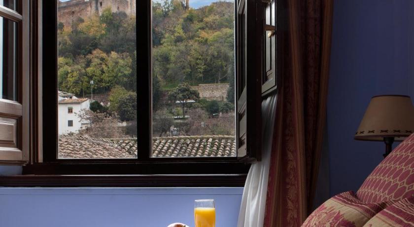 hoteles con encanto en granada  400