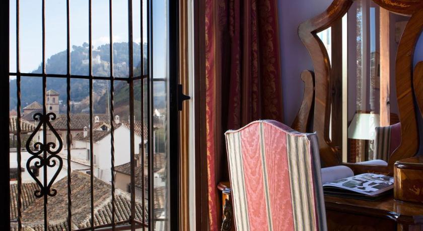 hoteles con encanto en granada  401