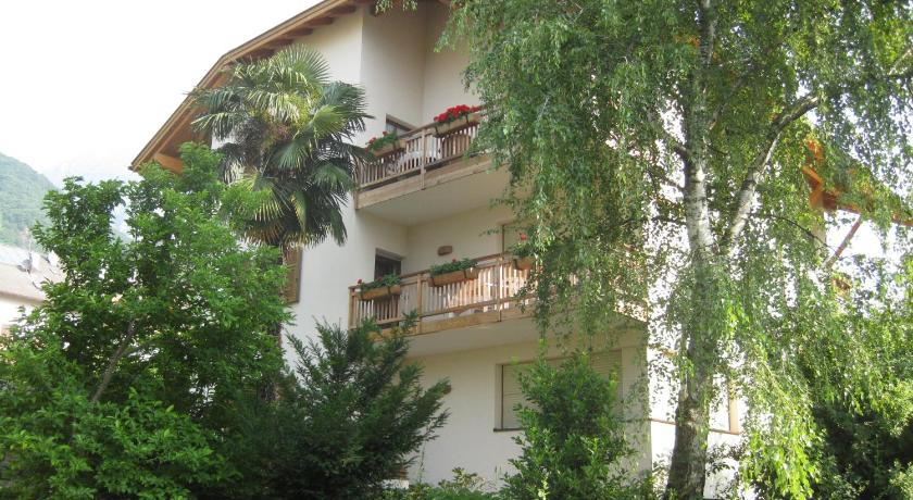 Three-Bedroom Apartment - Entrance Haus Bellutti