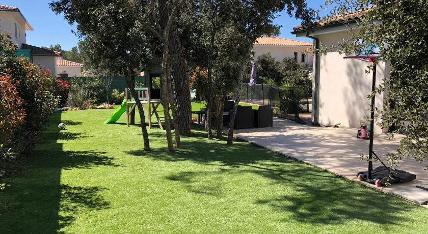 Maison moderne 200 m2 Piscine environnement calme ...