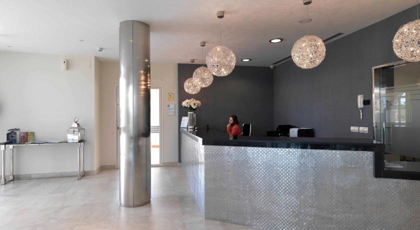 hoteles con encanto en cádiz  175