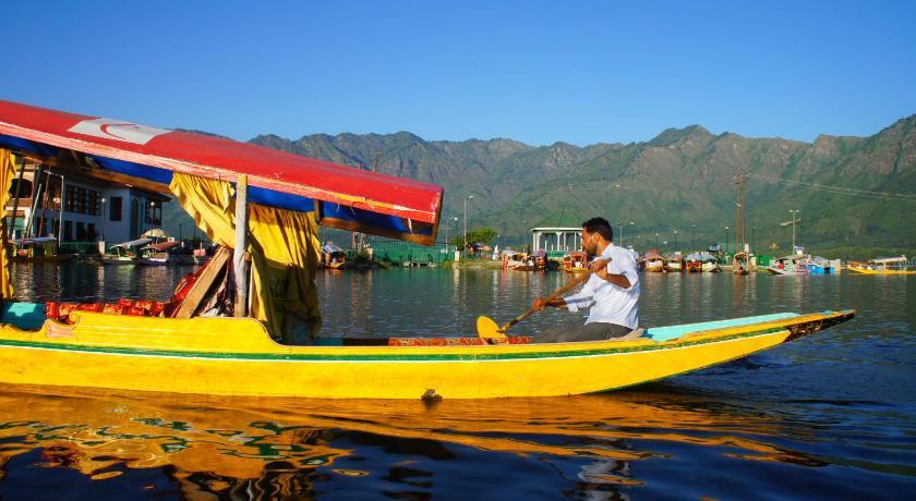 Golden Hopes Group of Houseboats Nehru Park Dal Lake Gate no 15 behind hotel leeward. Srinagar