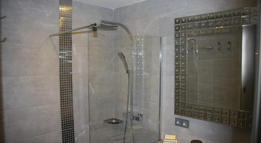 Bathroom Appartement 1 Chambre Cannes Croisette