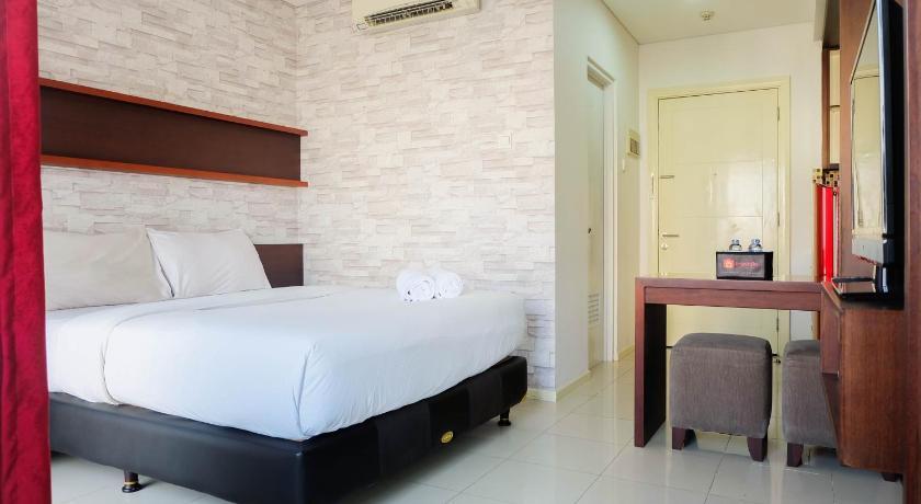 Fabulous Comfy Studio Cosmo Terrace Apartment By Travelio Jakarta Interior Design Ideas Tzicisoteloinfo