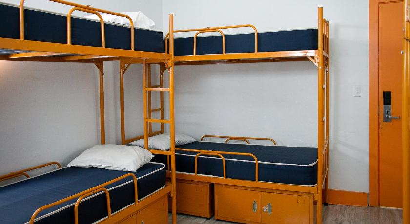 Single Bed in 8-Bed Female Dormitory Room - Guestroom SoBe Hostel & Bar