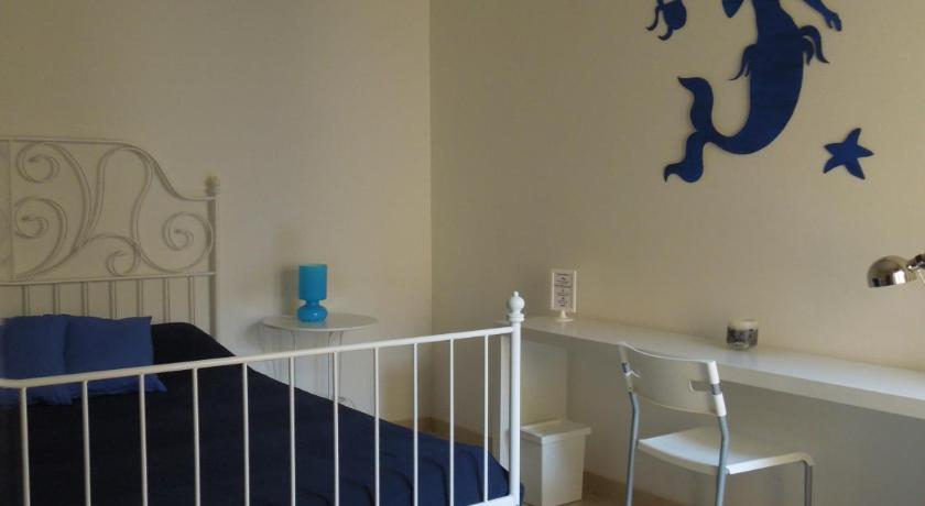 Double Room with Shared Bathroom Rosso Di Sera Bed & Breakfast
