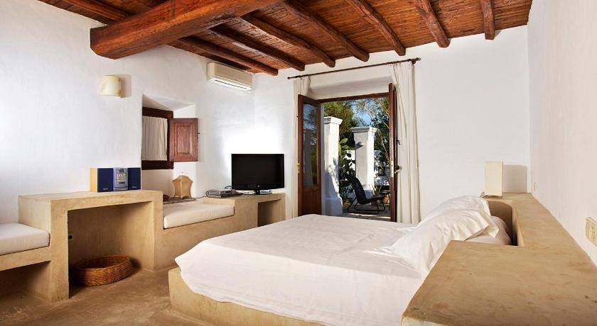 hoteles con encanto en sant joan de labritja  30