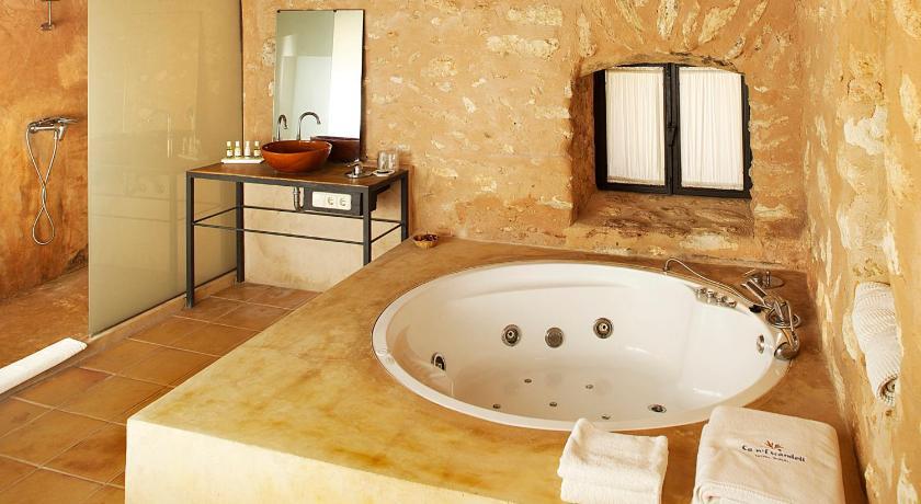 hoteles con encanto en sant joan de labritja  34