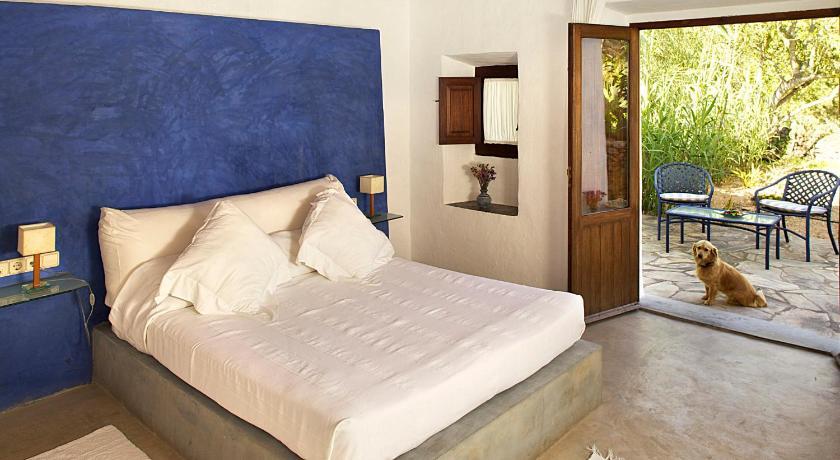 hoteles con encanto en sant joan de labritja  32