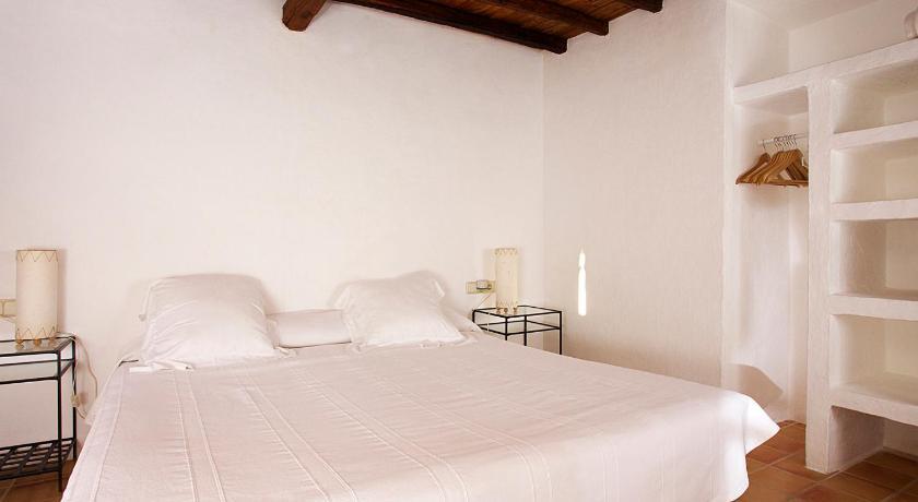 hoteles con encanto en sant joan de labritja  48