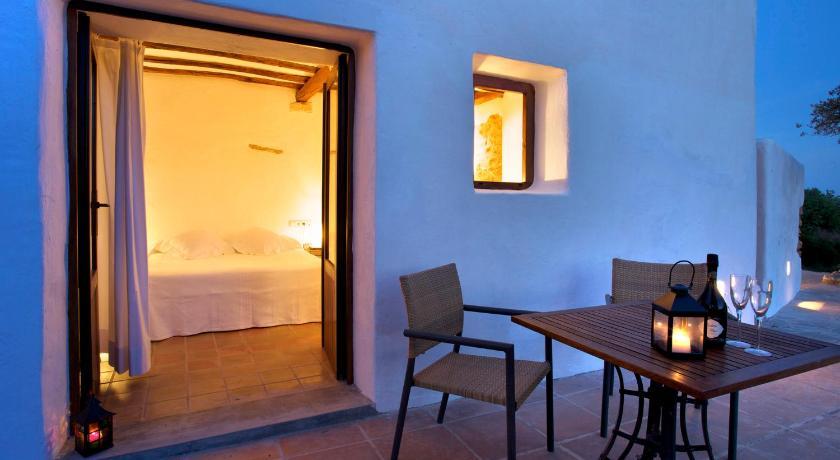 hoteles con encanto en sant joan de labritja  61