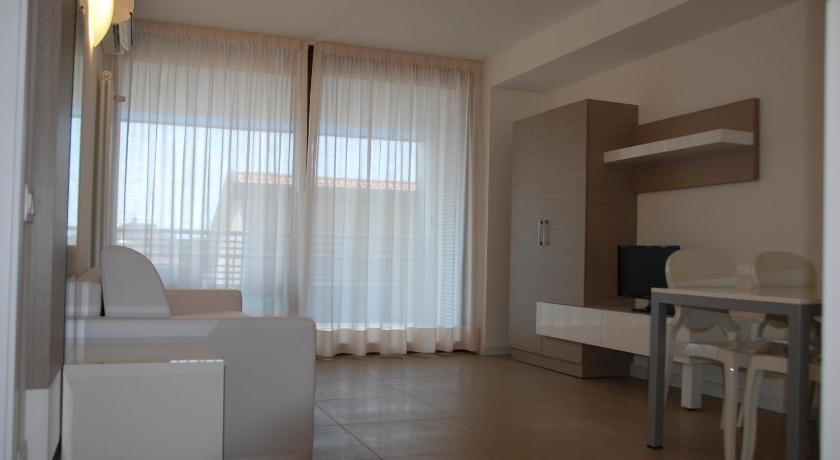 Apartment with Balcony - Separate living room Aparthotel Tiziano