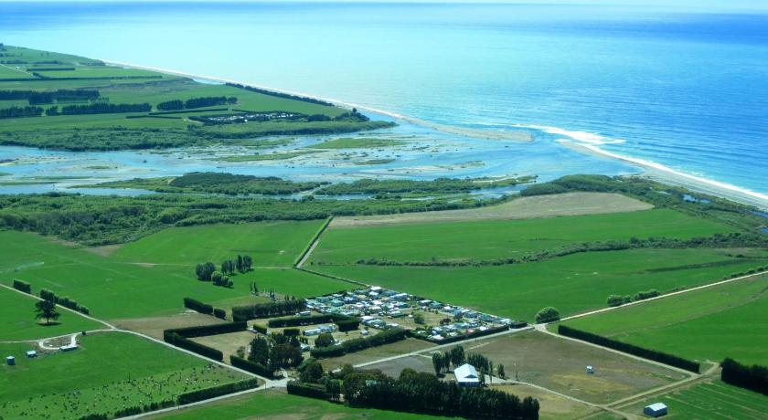 Waitaki Waters Holiday Park   New Zealand Budget Hotels