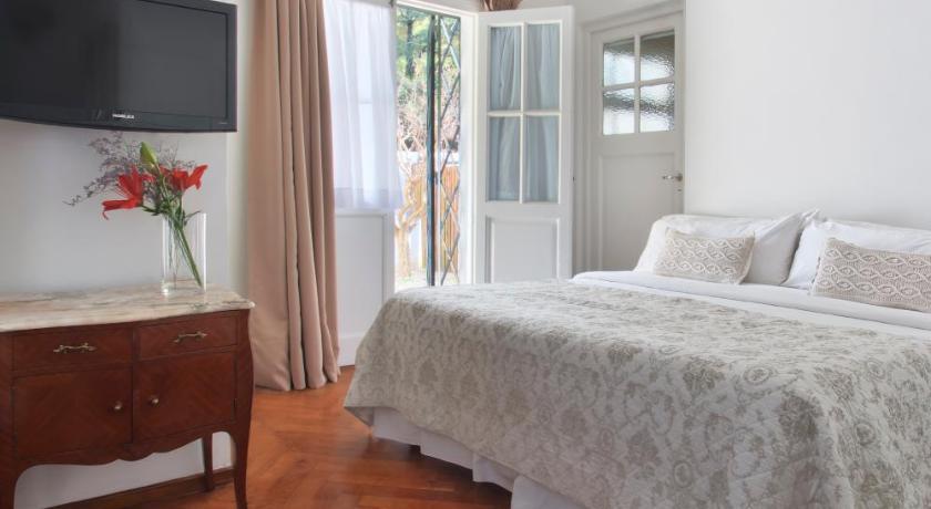 Petite Maison Design #9: La Petite Maison San Isidro Uriburu 116 San Isidro ...