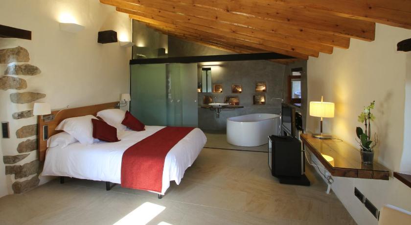 hoteles con encanto en cánoves  12
