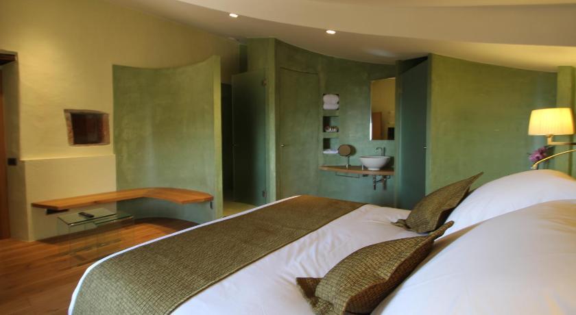 hoteles con encanto en cánoves  16