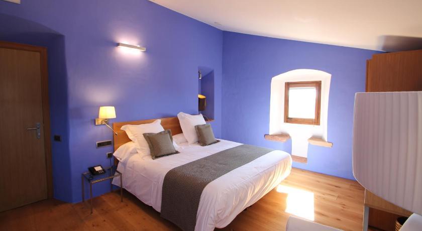 hoteles con encanto en cánoves  17