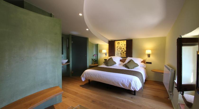 hoteles con encanto en cánoves  18
