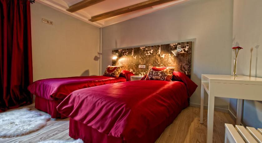 hoteles con encanto en albarracín  56