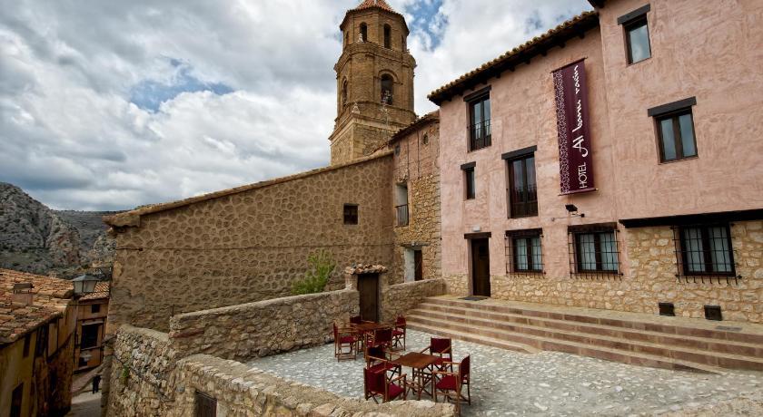 hoteles con encanto en albarracín  50
