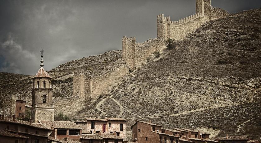 hoteles con encanto en albarracín  51
