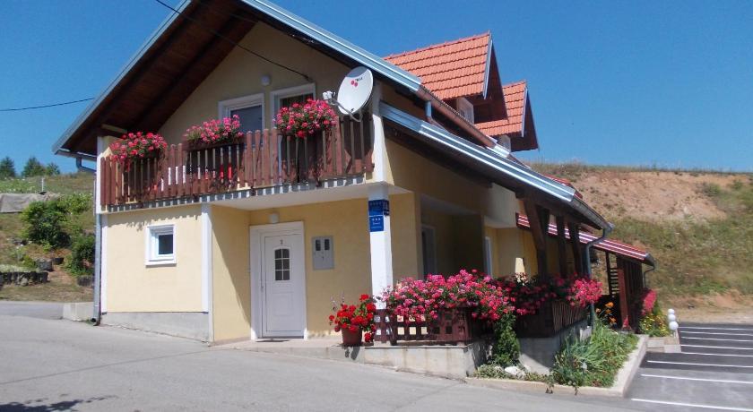 Apartments Pavlić Rakovica 151 Rakovica