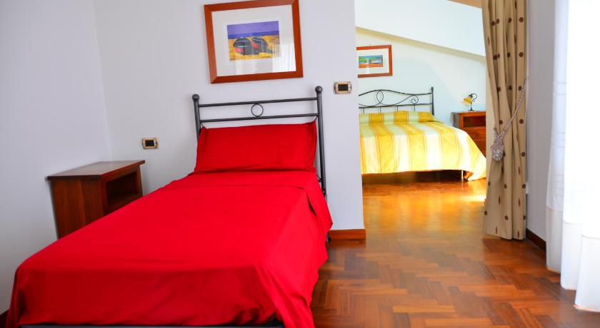 Triple Room with Terrace Donna Alda Affittacamere