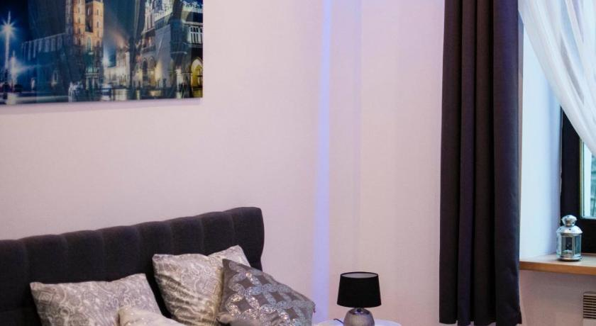 Cracow Jacuzzi Apartments - Silver Room - Krakow ...