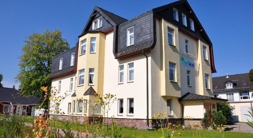 Parkhotel Oberhof Magnus-Poser-Straße 4 Oberhof