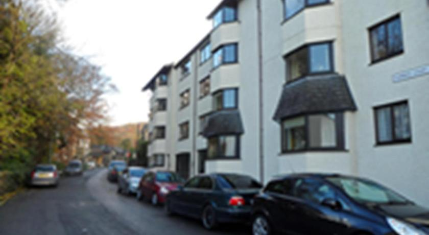Three-Bedroom Apartment - Entrance Howgill
