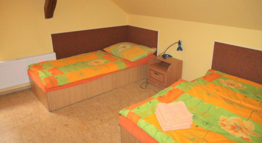 Double Room with Extra Bed (3 Adults) Penzion Crazy