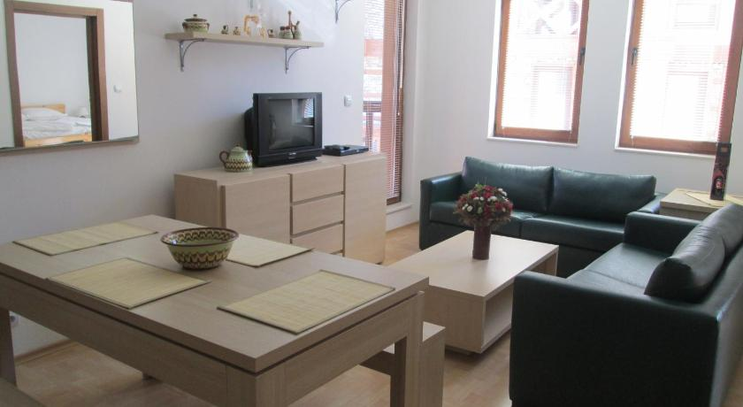 Two-Bedroom Apartment with Balcony (5 Adults) Bondis Alexander Services Apartments
