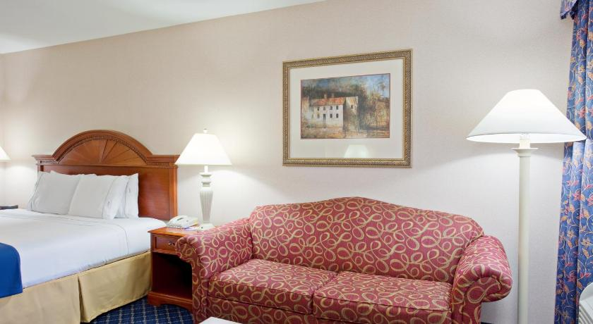 See all 16 photos Quality Inn Santa Nella