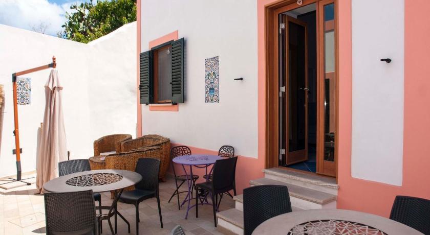 La Terrazza Sul Porto | Book online | Bed & Breakfast Europe