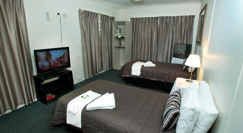 Motel Double or Twin Room with Private Bathroom - Bed O'Sheas Windsor Hotel
