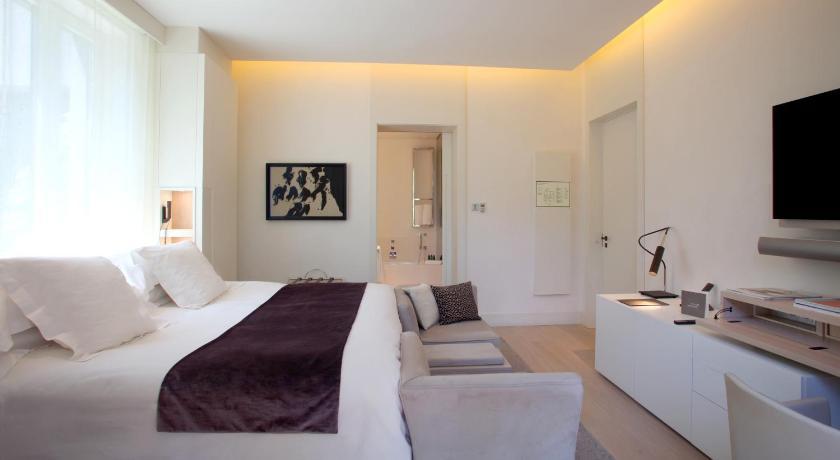 hoteles con jacuzzi en Barcelona  Imagen 6