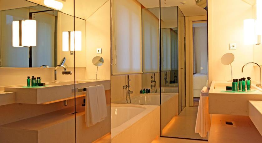 hoteles con jacuzzi en Barcelona  Imagen 20