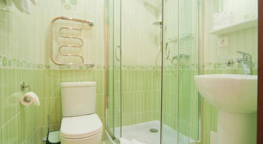 Standard Double Room - Shower Ruchii UDachi