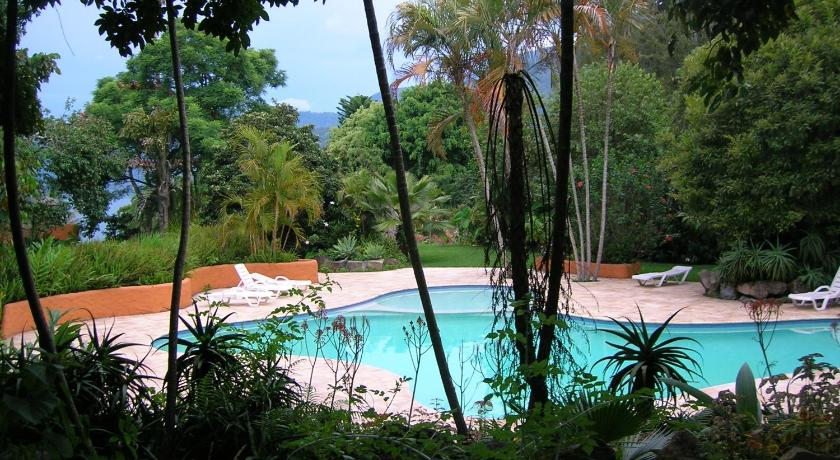 Swimming pool Hotel y Restaurante Bambu