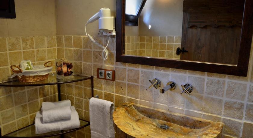 hoteles con encanto en begur  261