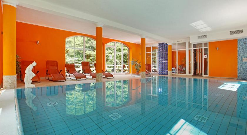 Swimming pool Hotel Boltenmühle