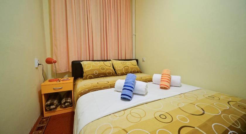Double Room with Shared Bathroom - Guestroom Glorious Rooms