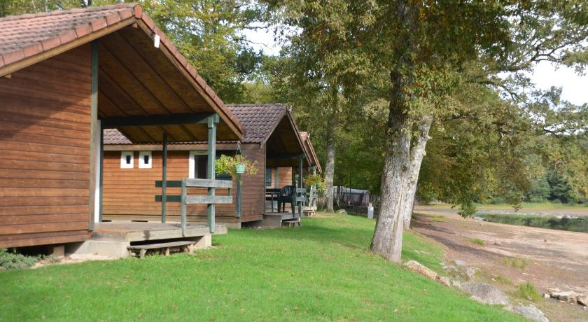 Chalet (4 Adults+ 2 Children ) Camping de l'Etang du Merle
